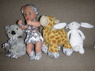 aluminium foil dolls clothes